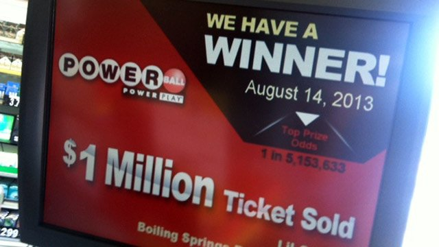 The Li'l Cricket store announces it sold a winning ticket. (Aug. 15, 2013/FOX Carolina)