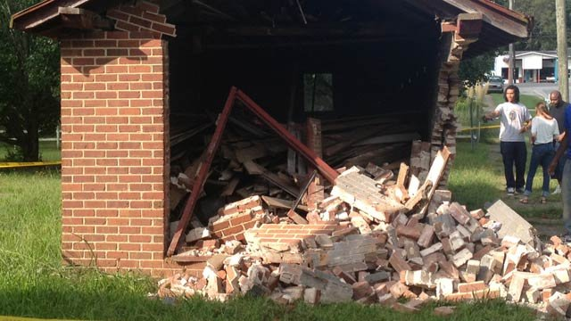 The building the car crashed into along Main Street in Donalds. (Aug. 23, 2013/FOX Carolina)