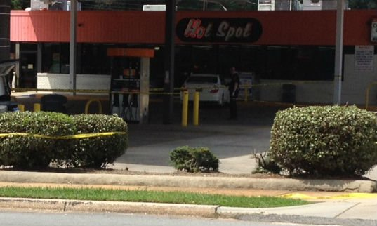 The Hot Spot on Hampton Ave. where deputies say the suspect stole a car. (Aug. 26, 2013/FOX Carolina)