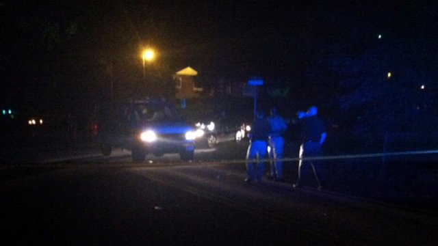 Deputies investigate a fatal shooting along Old Blassingame Road in Greenville. (Aug. 29, 2013/FOX Carolina)