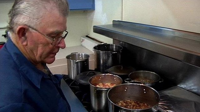 Jerry Hall cooks in his Due West kitchen on Tuesday. (Sept. 3, 2013/FOX Carolina)