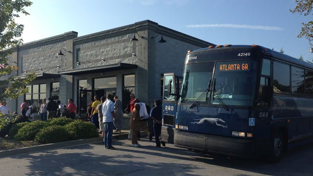 The first Greyhound bus arrives at the new stop. (Sept. 4, 2013/FOX Carolina)