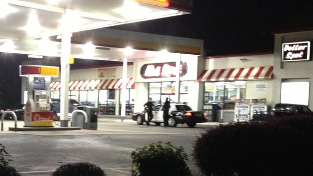 Spartanburg Co. deputies respond to the Hot Spot on Gossett Road. (Sept. 13, 2013/FOX Carolina)