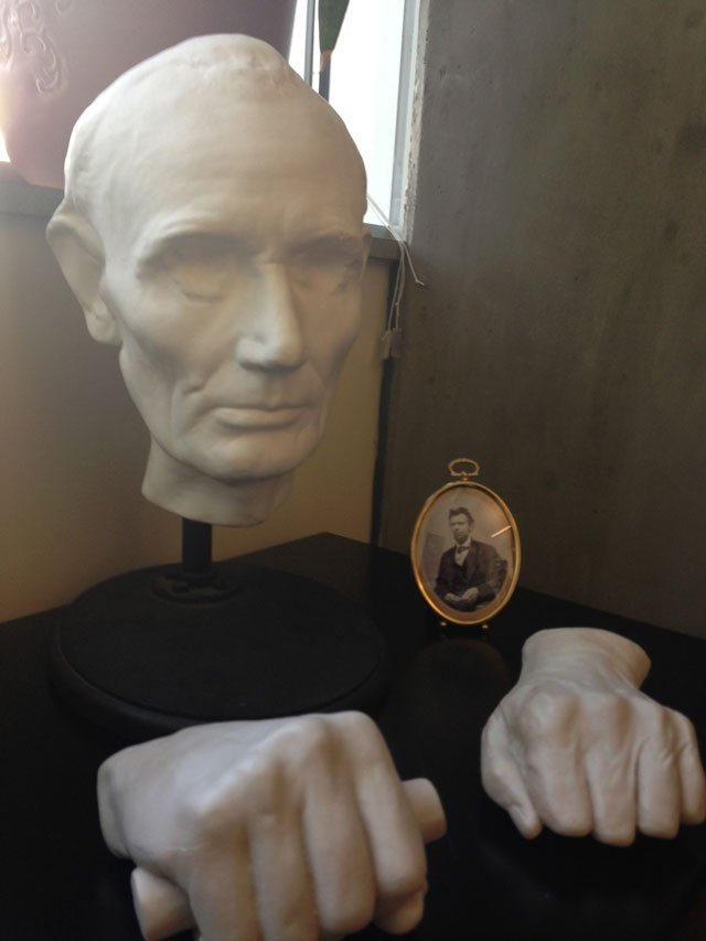A cast of Lincoln sits on UNCA professor Christopher Oakley's desk .(Sept. 24, 2013/FOX Carolina)
