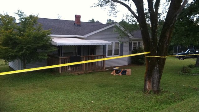 The home on Pleasant Retreat Road where deputies say the shooting happened. (Sept. 29, 2013/FOX Carolina)