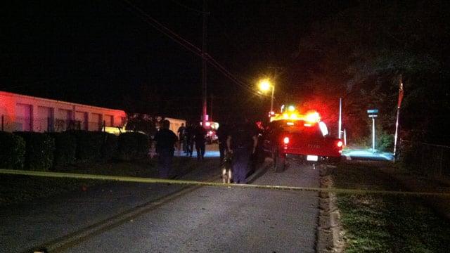 Greenville Co. deputies help search for suspects in Fountain Inn. (Oct. 2, 2013/FOX Carolina)