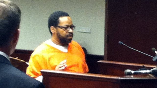 Avery Blandin appears in court Monday. (Oct. 7, 2013/FOX Carolina)