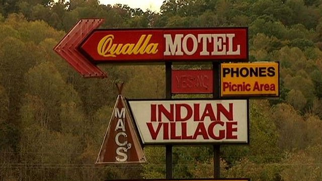 Deputies say they found the girl and her dad staying at this Whittier, NC, motel. (Oct. 14, 2013/FOX Carolina)