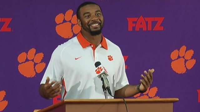 Clemson QB Tajh Boyd disclaims gambling rumors during Tuesday's press conference. (Oct. 22, 2013/FOX Carolina)