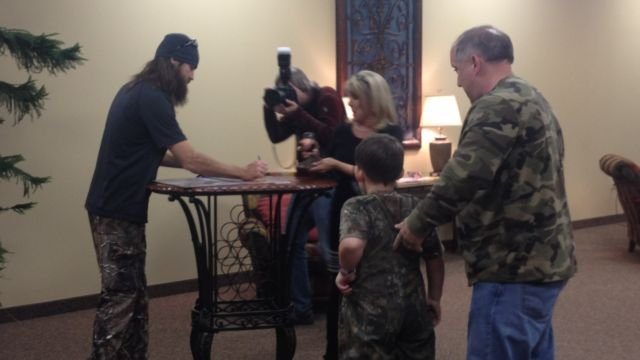 Jase Robertson signs autographs at the Spartanburg Expo Center. (FOX Carolina)