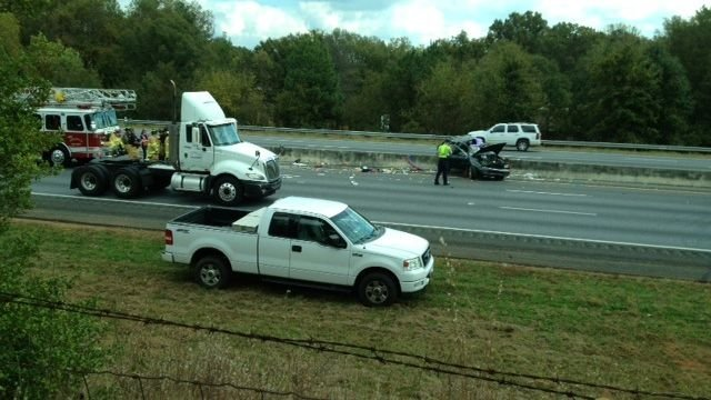 © Accident along Interstate 85 (Source: FOX Carolina)