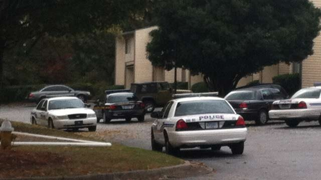 The scene at Magnolia Run Apartments. (Nov. 1, 2013/FOX Carolina)