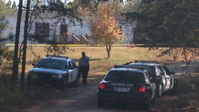 Spartanburg Co. deputies investigate the shooting. (Nov. 3, 2013/FOX Carolina)