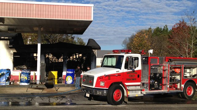 The damaged Waterloo Automotive shop. (Nov. 12, 2013/FOX Carolina)