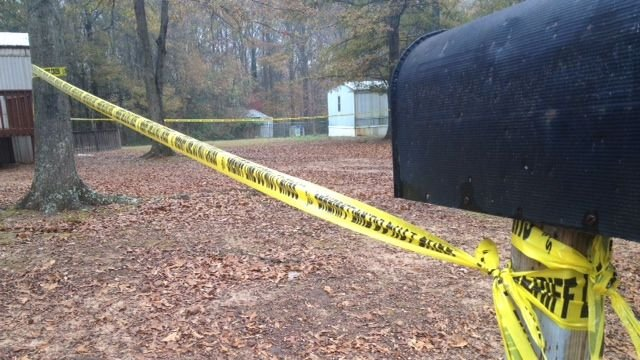 Deputies investigate the fatal shooting in Anderson County. (Nov. 23, 2013/FOX Carolina)