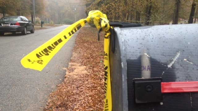 Deputies investigate deadly shooting in Anderson County