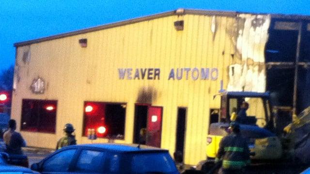 The fire-damaged auto shop in Toccoa. (Dec. 2, 2013/FOX Carolina)