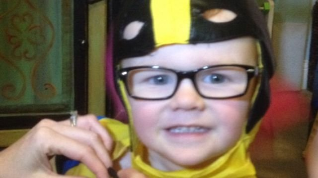 Noah, 4, loves wearing his new glasses (Dec. 4, 2013-FOX Carolina)