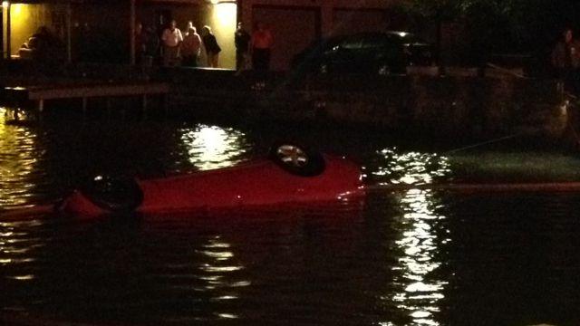 Deputies block the road leading up to the lake. (Dec. 6, 2013/FOX Carolina)