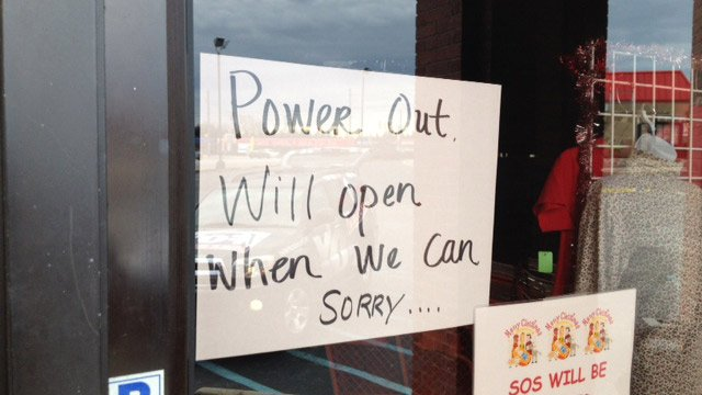 One Taylors shop remained closed during the outage. (Dec. 20, 2013/FOX Carolina)