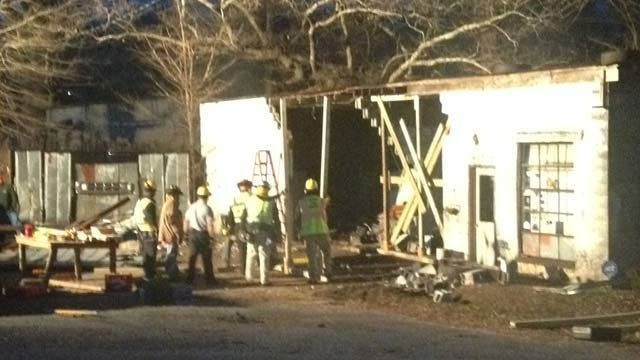 The business in Slater-Marietta after the wreck. (Dec. 27, 2013/FOX Carolina)