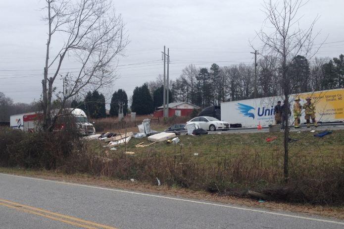 Troopers investigate crash on I-85 (Jan. 4 2014, Fox Carolina)