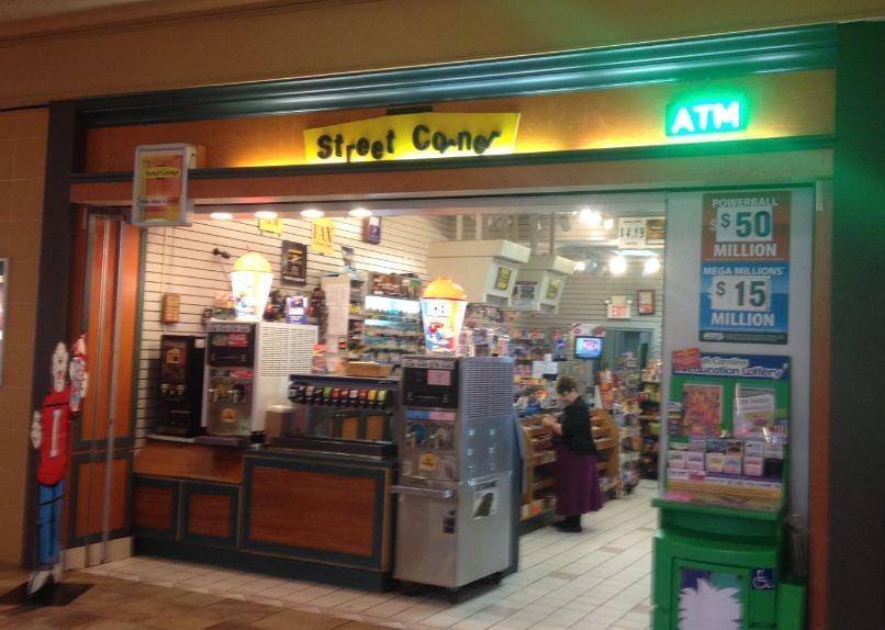 Store owner returns lost wallet (Jan. 5 2014,  Fox Carolina)