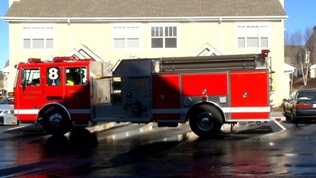 Firefighters respond to the Garden District Apartments Tuesday after water that flooded out from pipes. (Jan. 7, 2014/FOX Carolina)