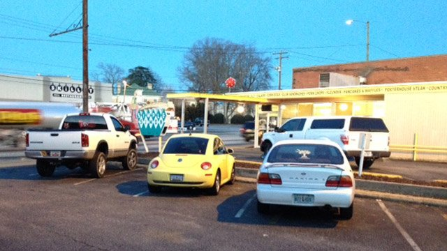 The small fire broke out at Simple Simon diner in Spartanburg. (Jan. 8, 2014/FOX Carolina)