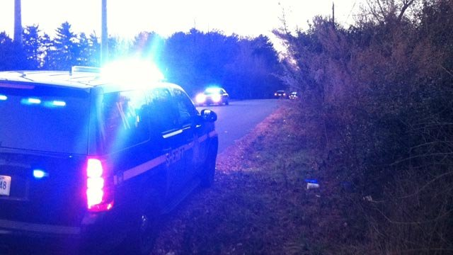 Deputies on the scene on Burdine Road following the shooting. (Jan. 16, 2014/FOX Carolina)