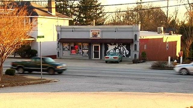 The smoke shop along E. Stone Ave. (Jan. 16, 2014/FOX Carolina)