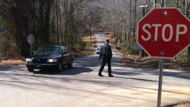 Deputies have First Avenue in Starr blocked off. (Jan. 23, 2014/FOX Carolina)