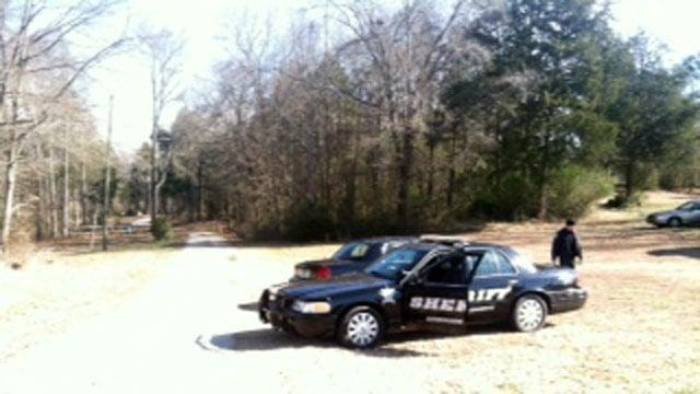Deputies outside of the First Avenue home where the shooting took place. (Jan. 23, 2014/FOX Carolina)