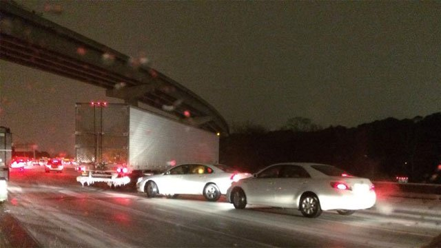 Cars barely move along an Atlanta interstate. (Jan. 28, 2014/FOX Carolina iWitness Susan S.)