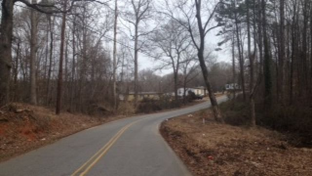 Man's body found on gravel driveway in Piedmont. (Feb. 1, 2014/FOX Carolina)