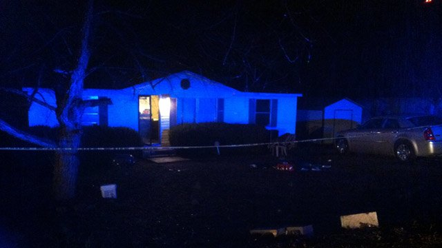 Crime scene tape up at the Draymont Drive location. (Feb. 5, 2014/FOX Carolina)
