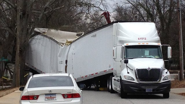 The tractor trailer crash that shutdown Perrin Street Monday morning. (Feb. 10, 2014/FOX Carolina)