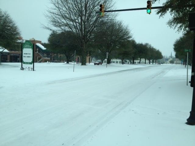 Winter weather in Downtown Greenwood. (January 13, 2014/FOX Carolina)