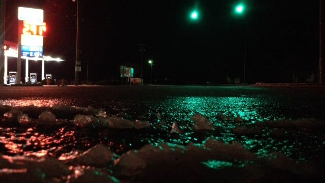 An icy Highway 8 at Highway 81 in Anderson County. (Feb. 14, 2014/FOX Carolina)