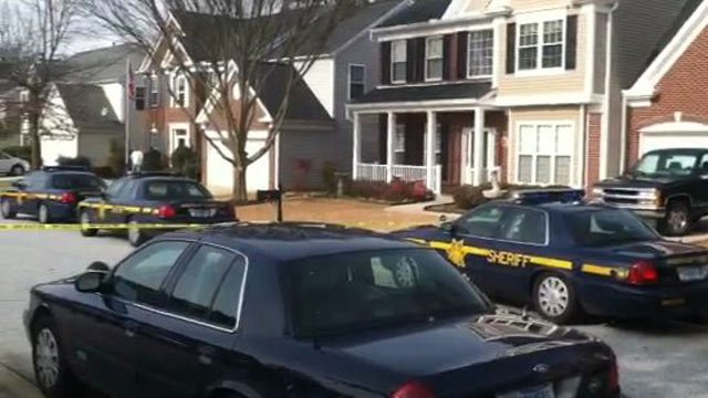 SWAT responded to a home on Collier Lane. (Feb. 19, 2014/FOX Carolina)