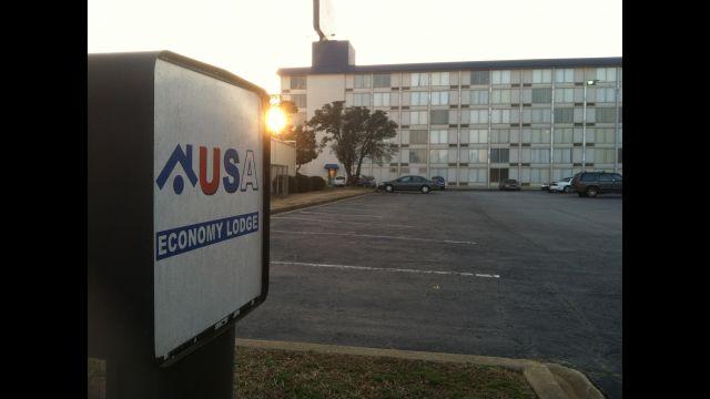 Deputies investigate toilet stolen from hotel (Fox Carolina)