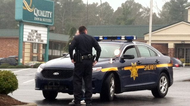 Deputies perform a traffic stop at the Bi-Lo on South Pleasantburg Dr. after the report of an altercation nearby. (Feb. 3, 2014/FOX Carolina)