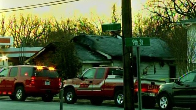 Firefighter have Cherokee Avenue blocked off at the scene of the fire. (March 6, 2014/FOX Carolina)