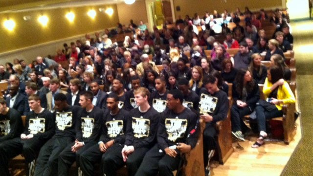 The Wofford watch party awaiting their tournament seat. (March 16, 2014/FOX Carolina)