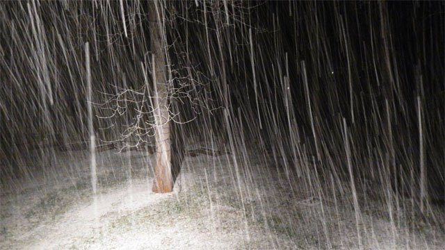 Snow falls on Pinnacle Mountain in Jackson County. (March 25, 2014/FOX Carolina iWitness Kathy Wilson)
