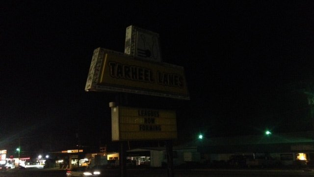 Tarheel Lanes closed after search warrants were executed on Wednesday night. (March 26, 2014/FOX Carolina)