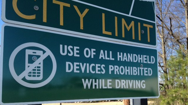 One of more than 30 signs reminding drivers of the new distracted driving ban. (File/FOX Carolina)
