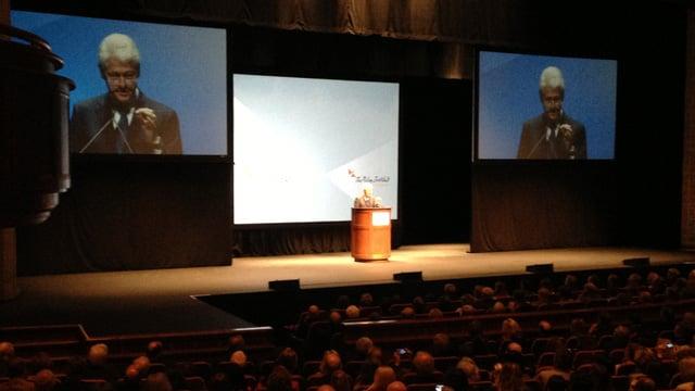 President Bill Clinton talks at the Peace Center. (April 8, 2014/FOX Carolina)