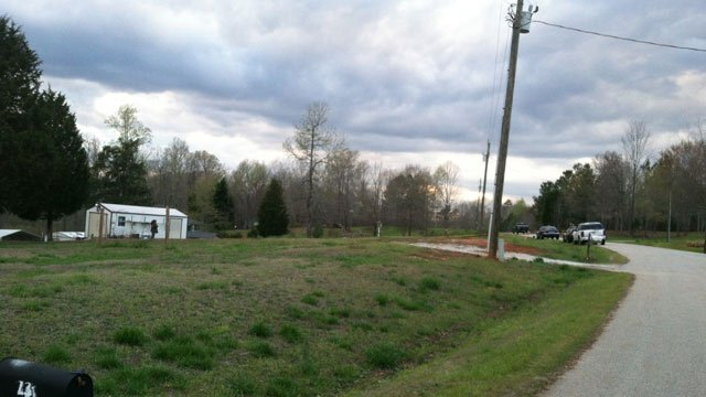 Deputies investigated a fatal shooting on Cochise Road in Waterloo. (April 8, 2014/FOX Carolina)