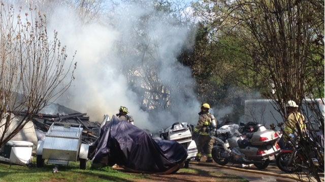 Firefighters respond to the garage fire. (April 9, 2014/FOX Carolina)
